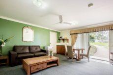 Aaronlee Retreat - Loungeroom